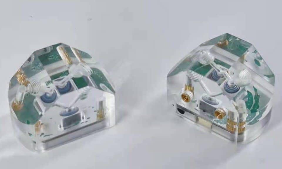 Pipeline microfluidic pressure sensor